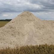 Die Bodenstruktur verbessern - Kalk streuen lohnt sich